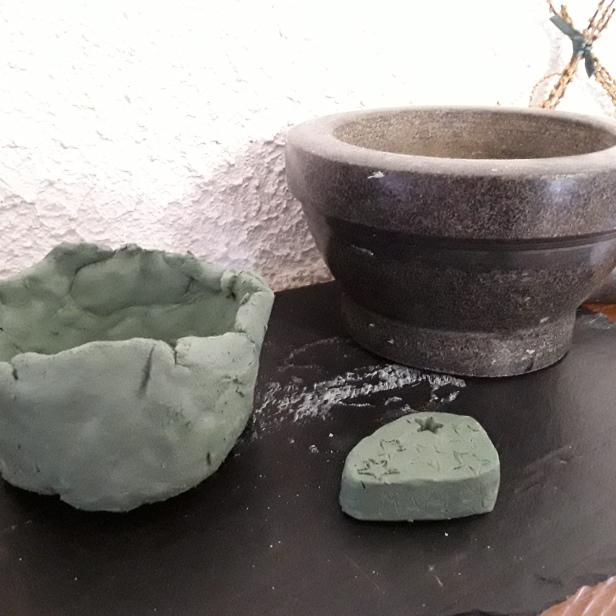 Encensoir argile entrain de sécher